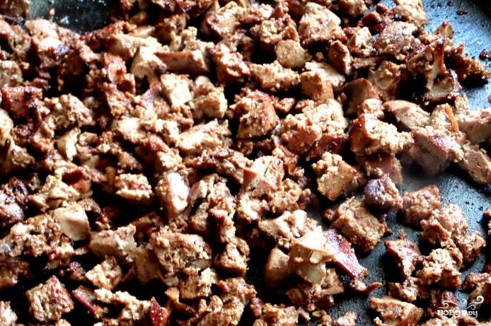 Картофляники с печенкой - фото шаг 9