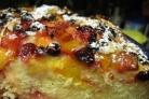 Пирог на ряженке с ягодами