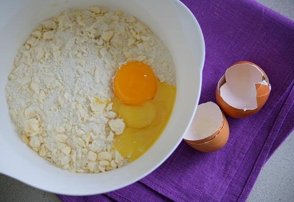 Швабский пирог со смородиной - фото шаг 2