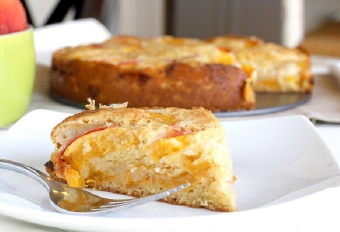 Рецепт Персиковый пирог в мультиварке