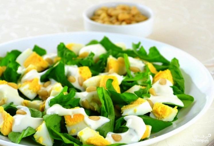 Простой салат из яиц