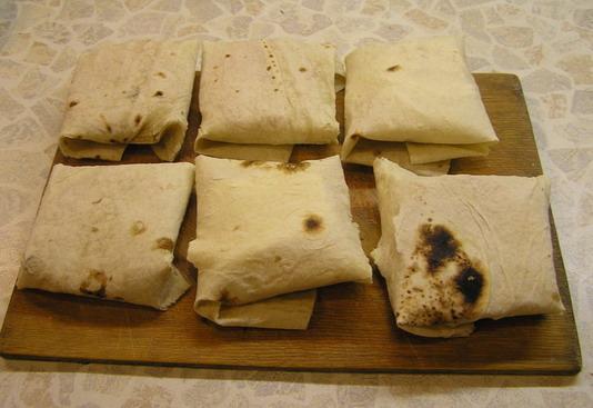 Бутерброды из лаваша - фото шаг 4