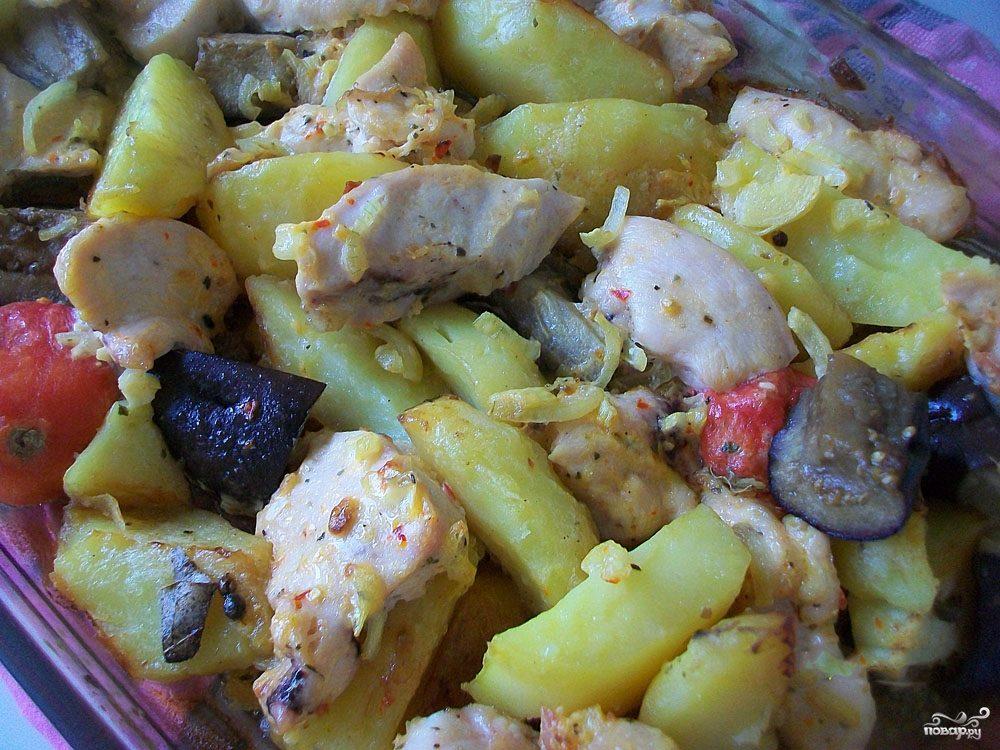 Картошка с баклажанами и курицей в духовке рецепт