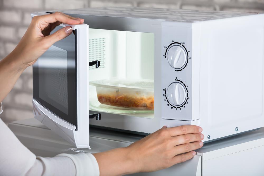 Размораживание мяса в микроволновке