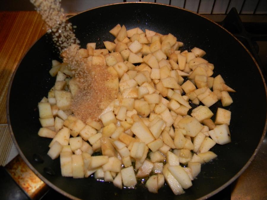 Блинчики с яблочной начинкой - фото шаг 2