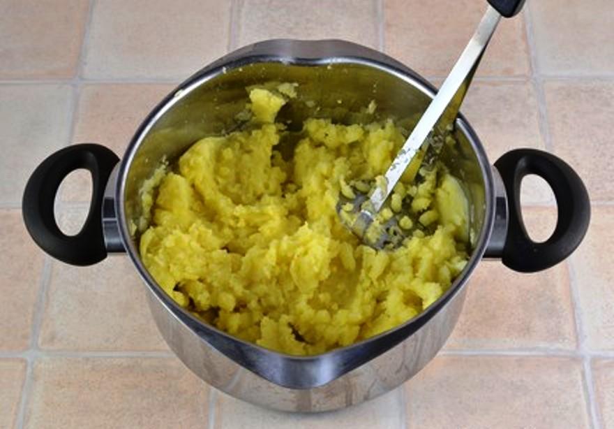 Осетинский пирог с картошкой и сыром - фото шаг 2
