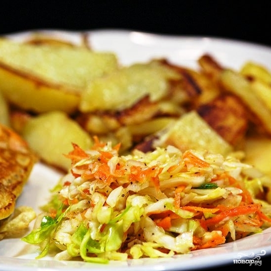 Капустный салат с морковью - фото шаг 9