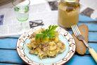 Картошка-пюре с тушенкой
