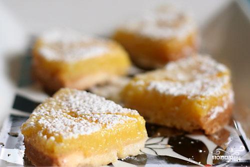 Лимонные пирожные с кедровым орехом