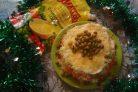 Праздничный слоёный овощной салат с зелёной редькой