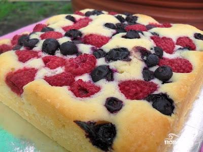 Рецепт Сметанный пирог с ягодами