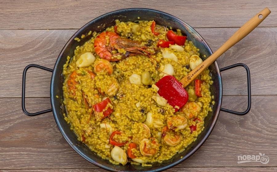 Испанская паэлья с морепродуктами - фото шаг 6