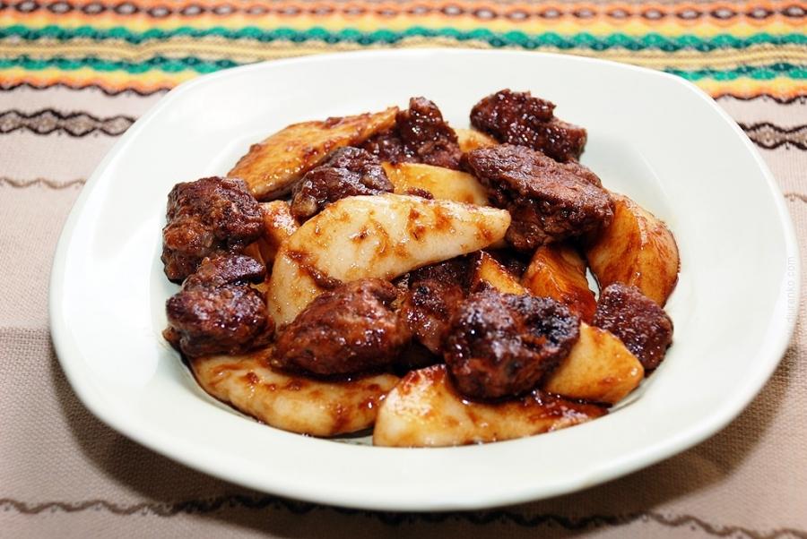 Печень куриная на сковороде - фото шаг 7