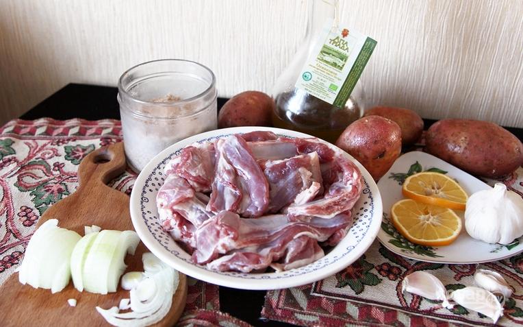 Бараньи ребрышки в духовке с картошкой - фото шаг 1