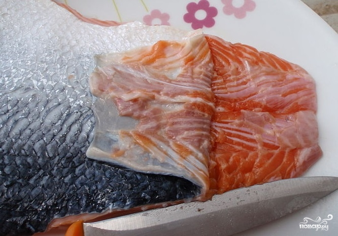 Омлет с лососем - фото шаг 2