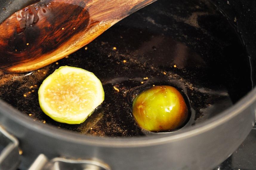 Жареный инжир с рикоттой - фото шаг 5