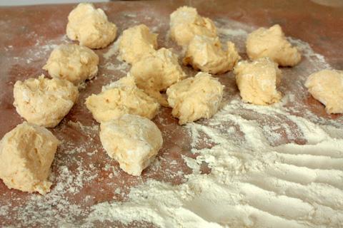 Сырники на сковороде - фото шаг 3