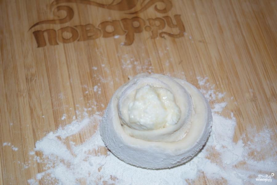 Пирожки с творогом из дрожжевого теста - фото шаг 8