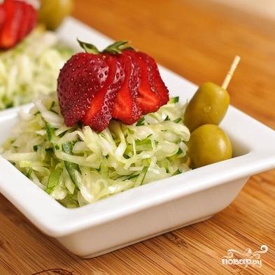 Салат из капусты и огурцов - фото шаг 14