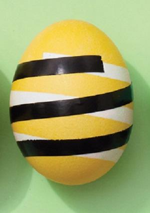 Полосатые крашеные яйца - фото шаг 3