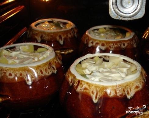Говядина с черносливом и картофелем - фото шаг 10