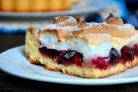 Тройной пирог со сливами