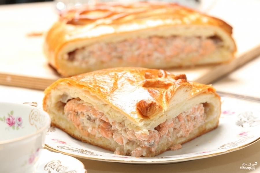 Пирог с семгой из слоеного теста - фото шаг 4
