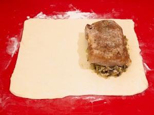 Мясо в слоеном тесте - фото шаг 7