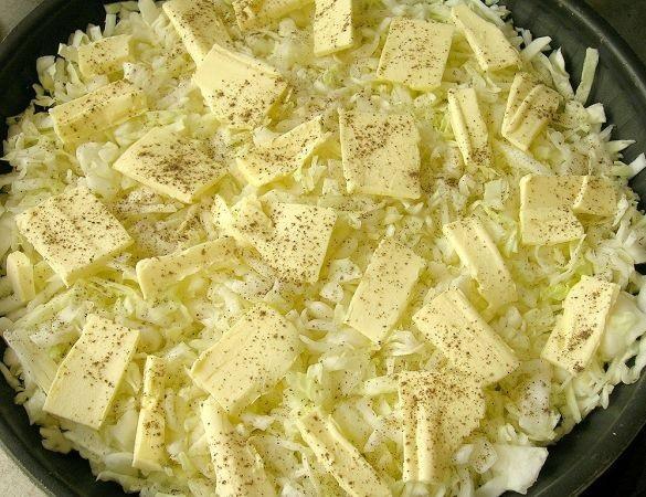 Капустный пирог на молоке - фото шаг 2