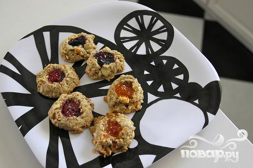 Миндально-овсяное печенье с джемом - фото шаг 8