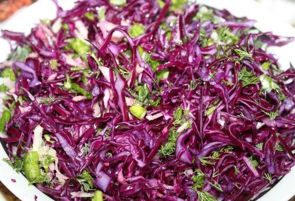 Салат к шашлыку из капусты - фото шаг 7