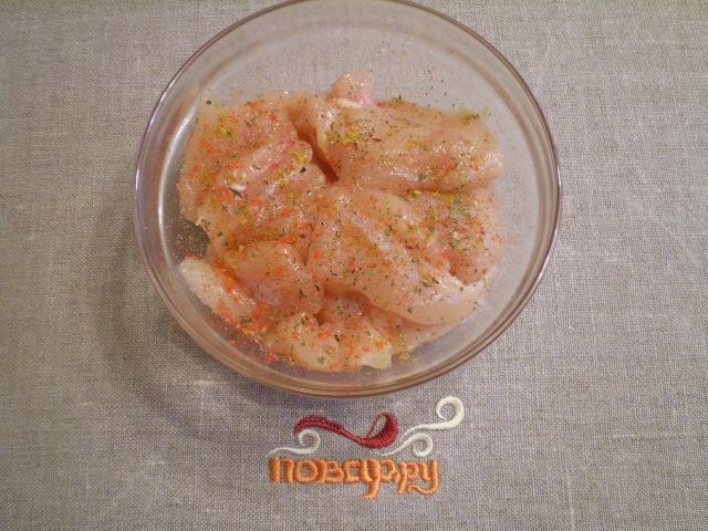 Куриная грудка кусочками на сковороде - фото шаг 4