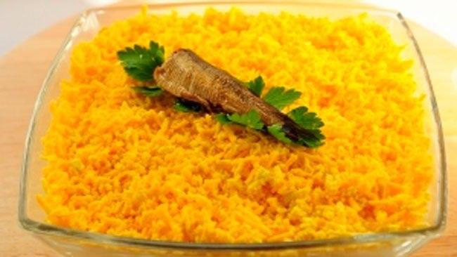 Салат из шпрот и яиц - фото шаг 5