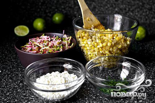 Такос с кукурузой, редисом и цуккини - фото шаг 5