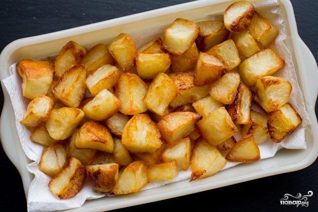 Запеченный картофель кусочками