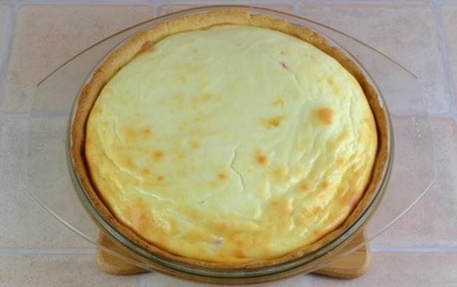 Пирог с творогом и вишней - фото шаг 11