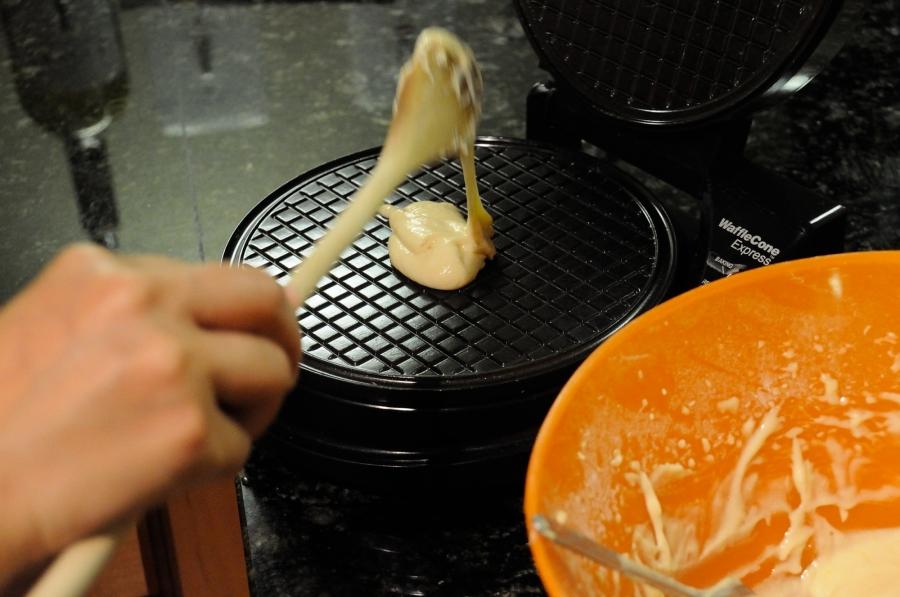 Вафли с карамелью - фото шаг 2