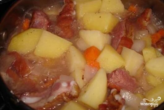 Говяжьи ребрышки, тушеные с картошкой - фото шаг 5