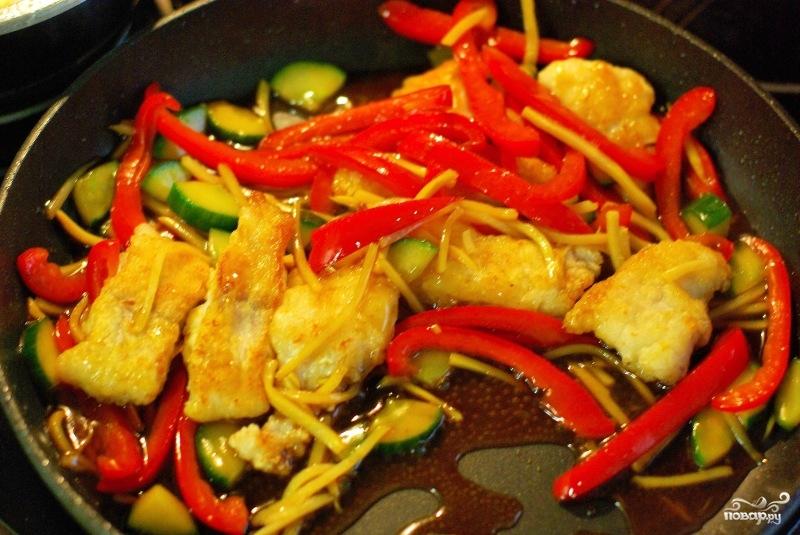 Тушеная рыба с овощами - фото шаг 8