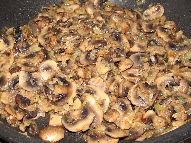 Блины с грибами - фото шаг 1
