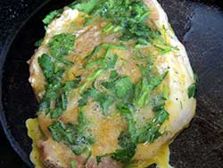 Мясо в кляре на сковороде - фото шаг 6