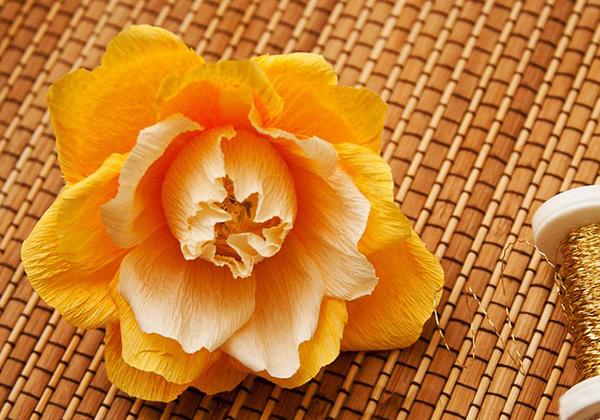 Английская роза из конфет - фото шаг 5
