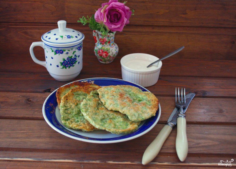 Лепешки с зеленью на сковороде