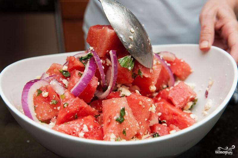 Салат с арбузом и фетой - фото шаг 5