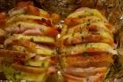 Картофель с беконом в духовке