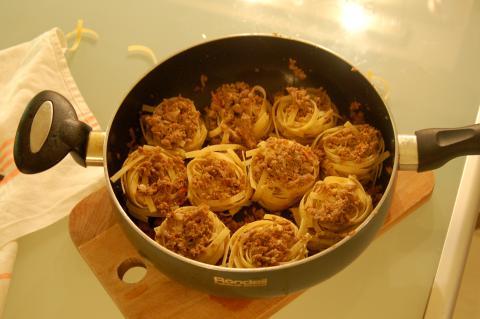 Как сделать макароны с фаршем на сковороде