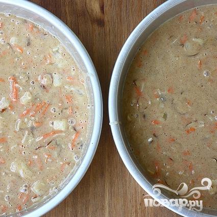 Морковный торт с орехами, кремом и глазурью - фото шаг 4