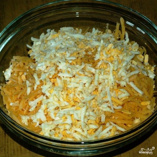 Салат из кальмаров с сыром - фото шаг 6