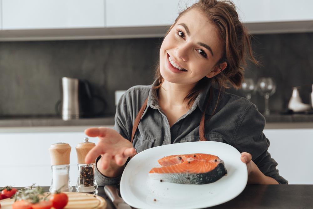 Во время беременности полезно есть красную рыбу