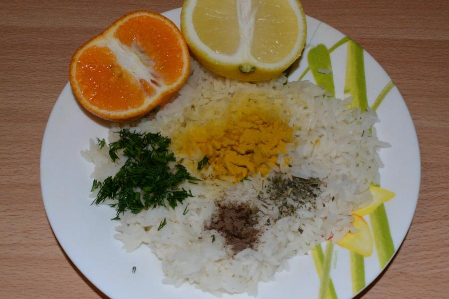 Скумбрия фаршированная желтым рисом - фото шаг 2
